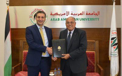 شركة الاتصالات الفلسطينية والمركز الطبي في الجامعة يوقعان اتفاقية تعاون مشترك