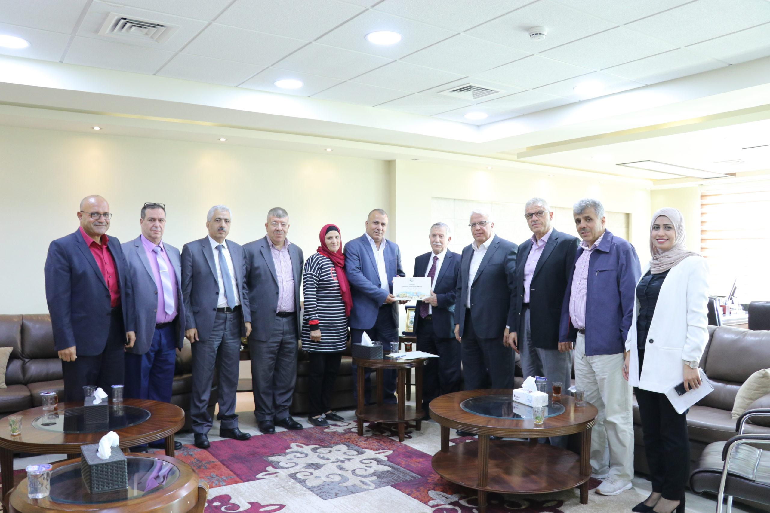 جامعة بوليتكنك فلسطين تستقبل مستشار رئيس الوزراء لشؤون الصناديق العربية والإسلامية