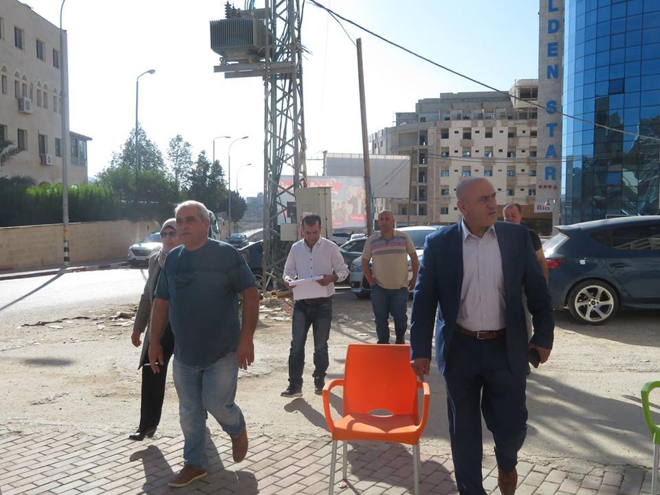 محافظ جنين يطلع على المخالفات والتعديات في محيط الجامعة العربية الأمريكة