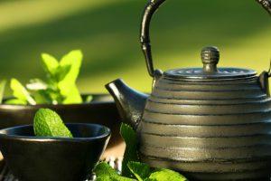 فوائد شرب الشاي الأخضر للبشرة