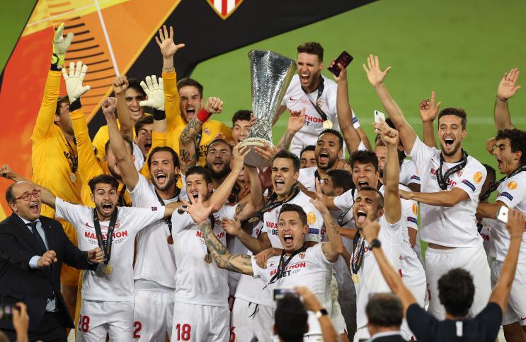 يوروبا ليغ: اشبيلية يتوج باللقب للمرة السادسة بفوز مثير على إنتر ميلان