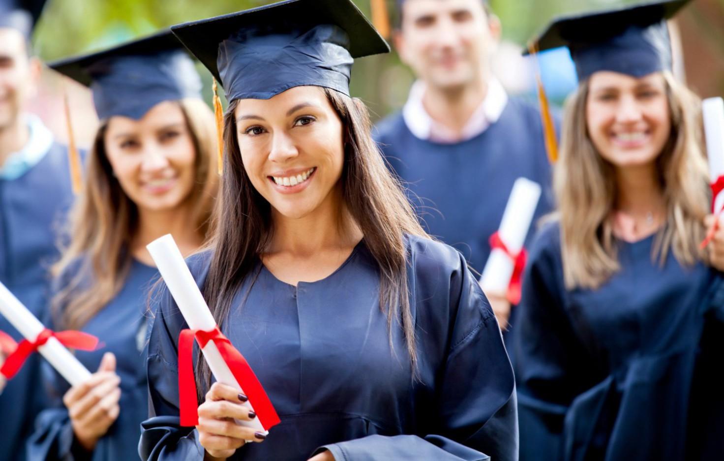 """""""التعليم العالي"""" تعلن عن توفر مقاعد دراسية للاختصاص  في الطب"""