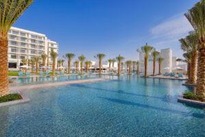 فندق هيلتون أبوظبي جزيرة ياس يضمن لمرتاديه أمتع الأوقات خلال الصيف